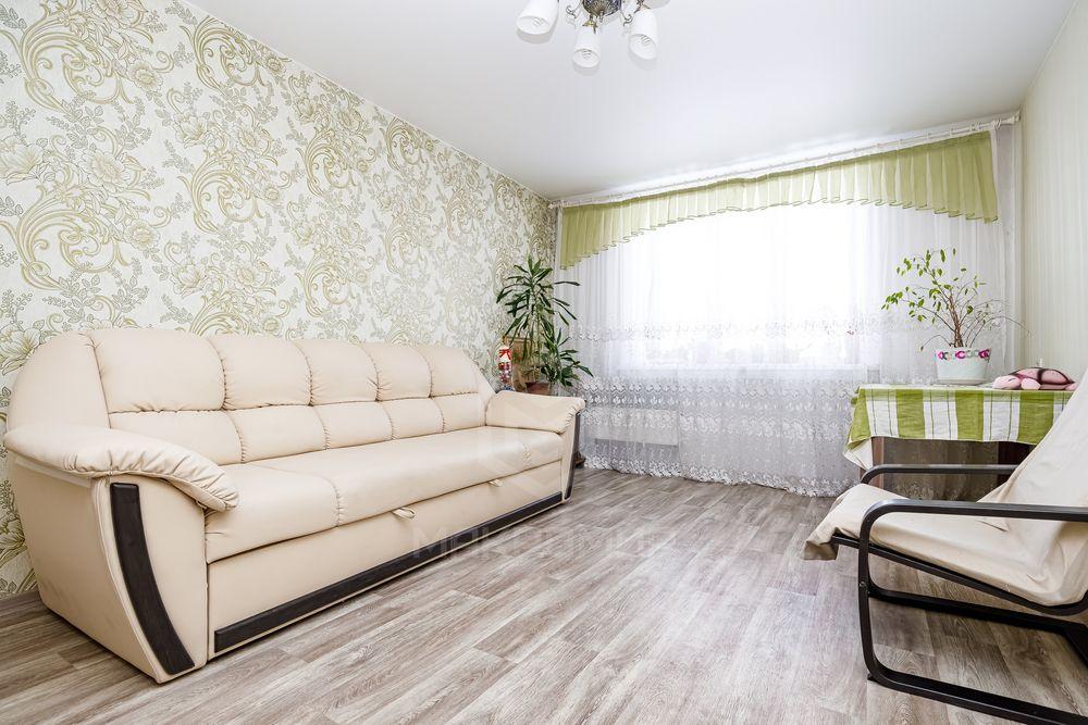 Вертковская, 38, 4-комнатная квартира