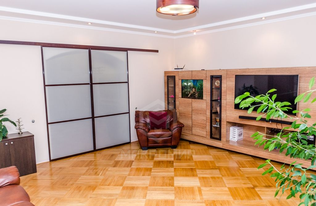 Краснообск, мкр. 2-й, 224, 4-комнатная квартира