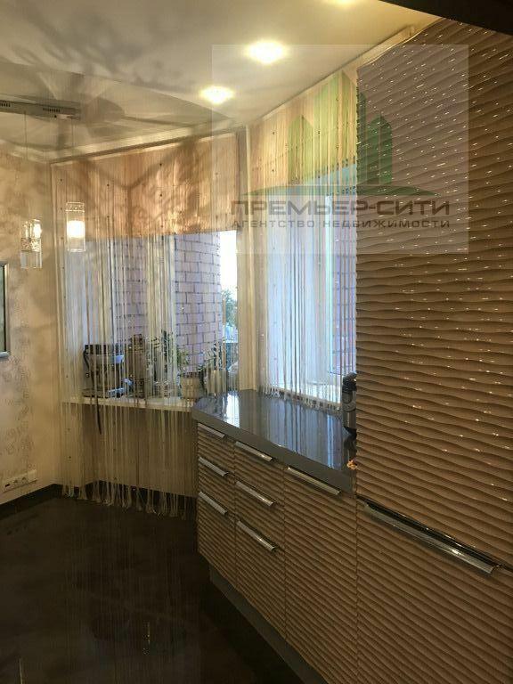 3-комн. квартира улица Братьев Кашириных 32