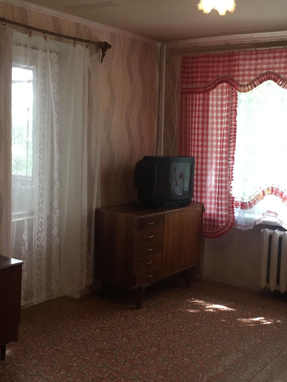 Сдам 2-комнатную квартиру в городе Саратов, на улице Имени Пугачева, 1, 2-этаж 9-этажного Панель дома, площадь: 50/0/0 м2