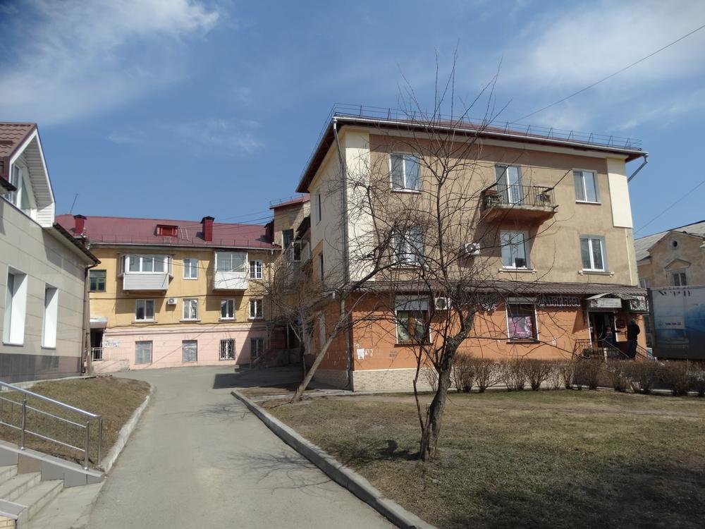 Фото: Надежный тёплый дом сталинской постройки, находится вдали от портовой зоны