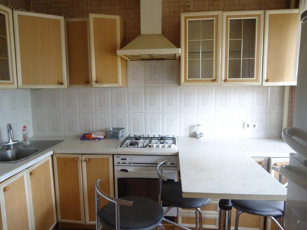 Сдам 3-комнатную квартиру в городе Саратов, на улице Большая Казачья, 59, 5-этаж 9-этажного Кирпич дома, площадь: 60/0/0 м2