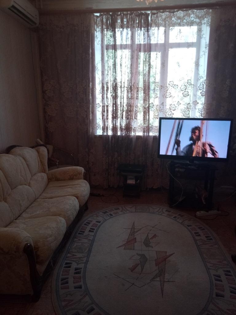 Продам 4-комнатную квартиру в городе Саратов, на улице Советская, 18, 2-этаж 5-этажного  дома, площадь: 91/61/12 м2