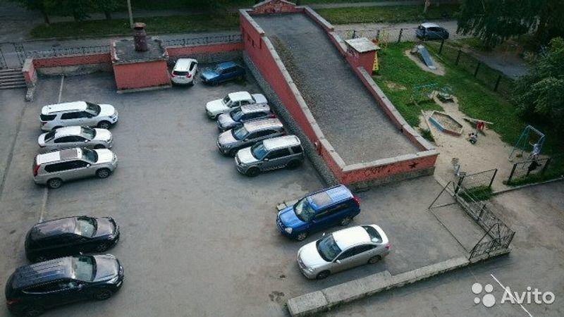 Свердловская область, Екатеринбург, ул. Красных Командиров, 32
