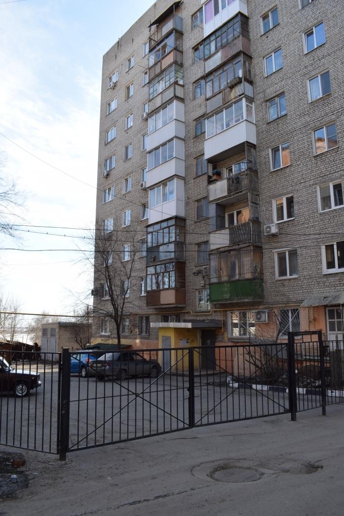 Продам 1-комнатную квартиру в городе Саратов, на улице Дегтярная, 4, 2-этаж 9-этажного Кирпич дома, площадь: 34/23/6 м2