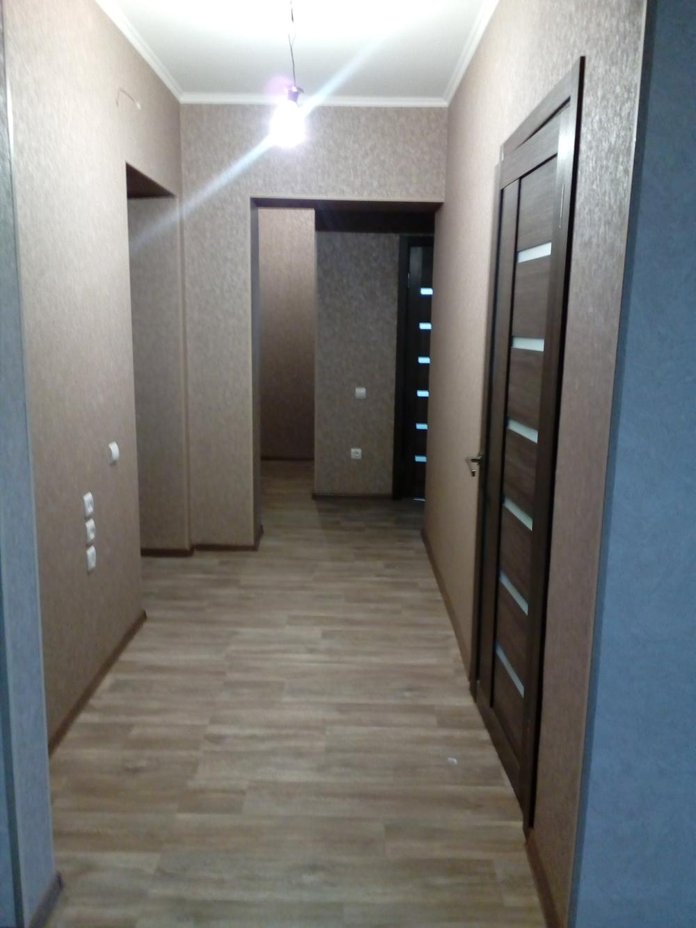 квартира с хорошим ремонтом, средний этаж ,лоджия 8 кв.м., ни кто не жил. объект в наш...