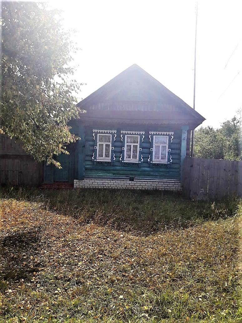 Левенда, Центральная ул., д. 61, дом кирпичный с участком 20 сот. на продажу