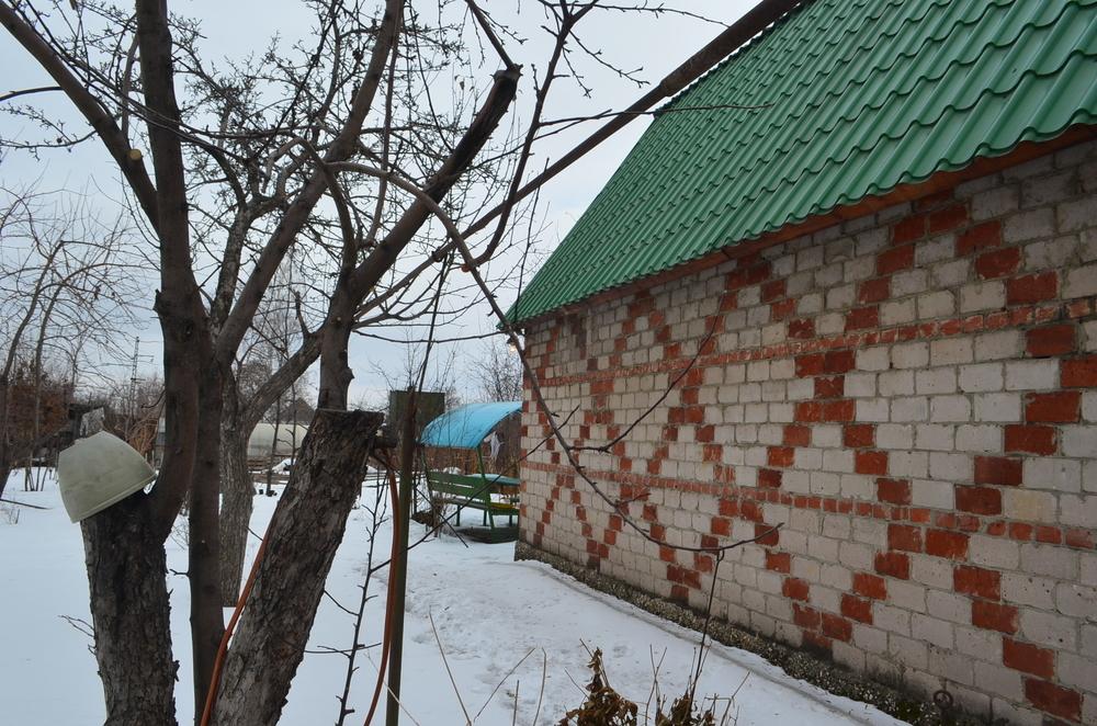 срочно продается дом в снт локомотив-1. кирпичный двухэтажный дом подойдет для кру...
