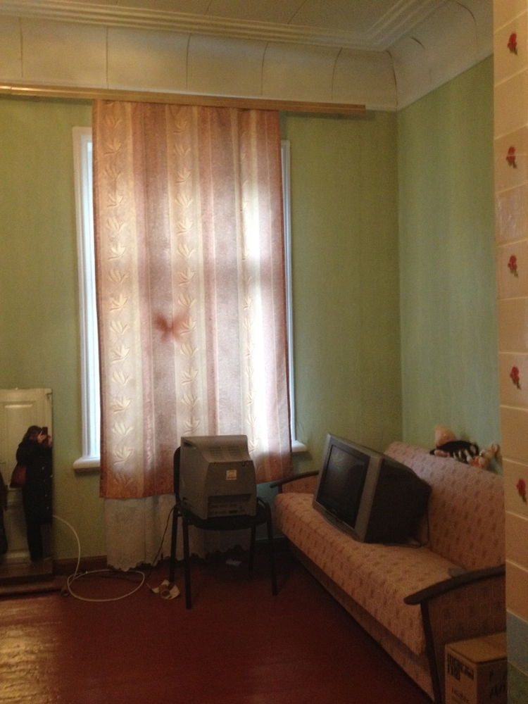 Продам 4 комнат[у,ы] в городе Саратов, на улице Челюскинцев, 1-этаж 2-этажного Монолит/Кирпич дома, площадь: 115/24/15 м2