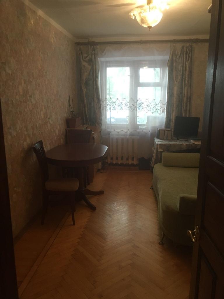 Продам 3-комнатную квартиру в городе Саратов, на улице Комсомольская, 29, 2-этаж 5-этажного Кирпич дома, площадь: 60/42/7 м2