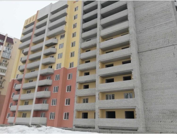 Продам 1-комнатную квартиру в городе Саратов, на улице Менякина, 1, 2-этаж 16-этажного  дома, площадь: 43/16/10 м2