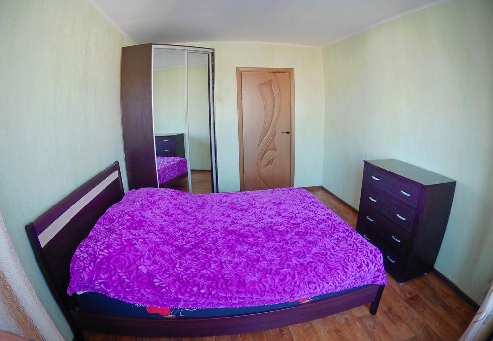 Фото: Продам очень тплую 3-х комнатную квартиру   <br>- Кирпичный, тплый дом; <br>- 3 этаж, хорошая планировка, все комнаты отдельные;  <br>- Квартира солнечная и просторная; <br>- Общая площадь 61,5 кв