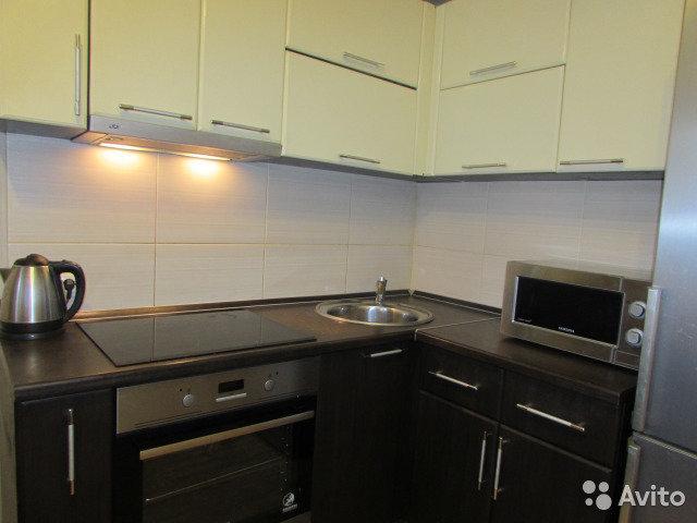 Продам 1-комнатную квартиру в городе Саратов, на улице Шелковичная, 1, 2-этаж 23-этажного Монолит дома, площадь: 48/0/13 м2