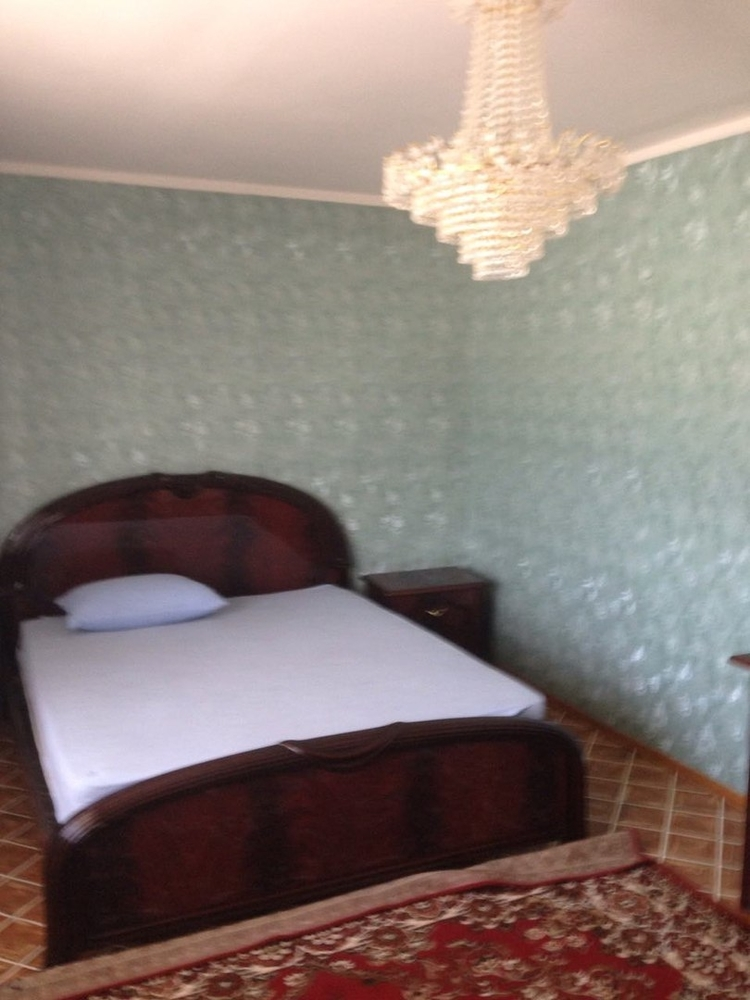 Продам 3-комнатную квартиру в городе Саратов, на улице 2-й Детский, 39, 6-этаж 10-этажного Кирпич дома, площадь: 120/65/15 м2