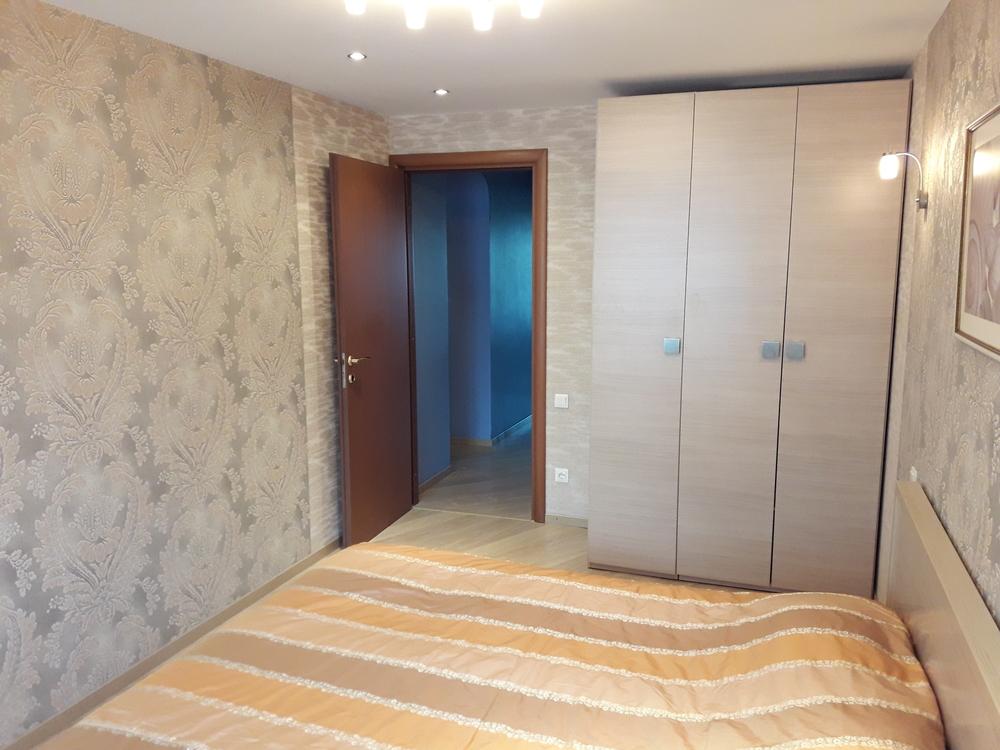 Продам 3-комнатную квартиру в городе Саратов, на улице Вольская, 127/133, 8-этаж 10-этажного Кирпич дома, площадь: 82/50/12 м2