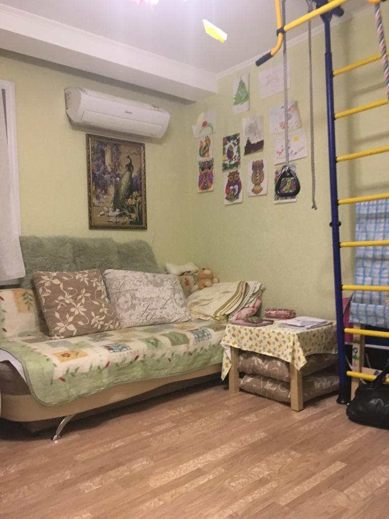 Продам 2-комнатную квартиру в городе Саратов, на улице Шелковичная, 4, 4-этаж 5-этажного Кирпич дома, площадь: 30/22/6 м2