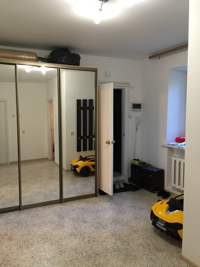 Продам 2-комнатную квартиру в городе Саратов, на улице Григорьева, 41/43, 4-этаж 9-этажного Кирпич дома, площадь: 67/38/10 м2