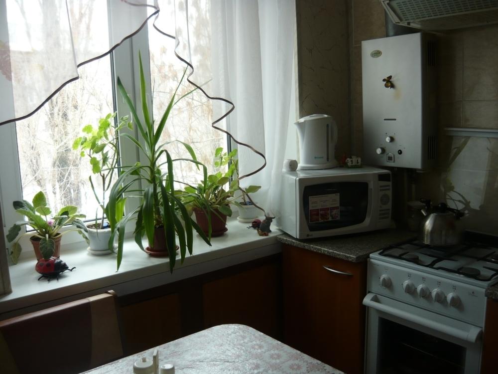 Продам 2-комнатную квартиру в городе Саратов, на улице Емлютина, 44, 4-этаж 5-этажного Кирпич дома, площадь: 45/30/6 м2