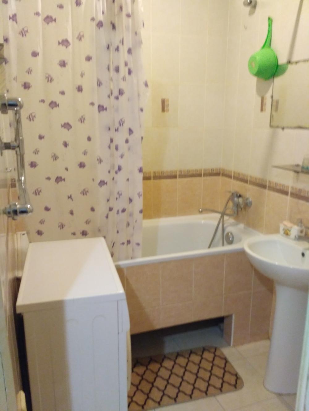 Сдам 2-комнатную квартиру в городе Саратов, на улице Провиантская, 14, 4-этаж 5-этажного Кирпич дома, площадь: 45/28/6 м2