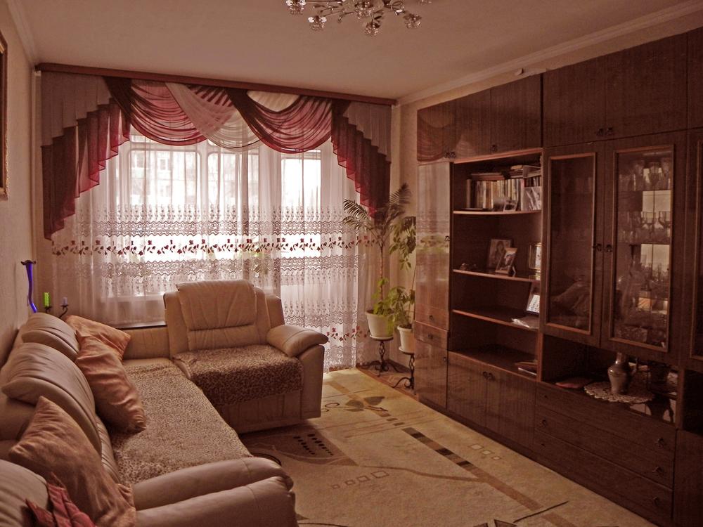 продается просторная и комфортная для проживания 3-комнатная квартира в черногор ...