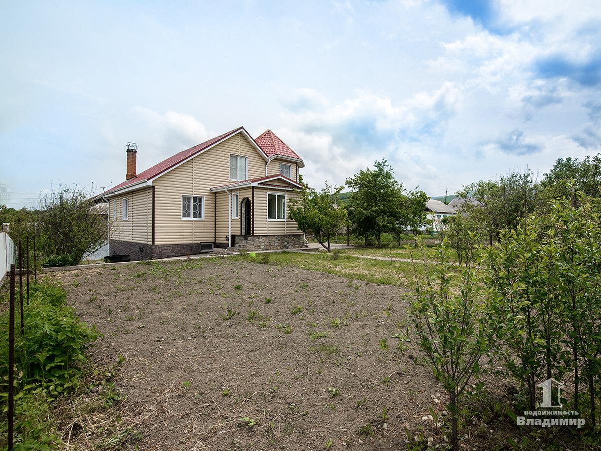 Фото: Дом в центральном районе села Владимиро-Александровское