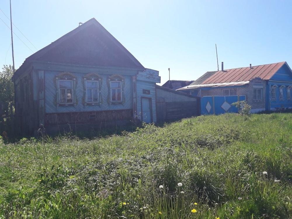 Просеницы, Центральная ул., д. 66, дом кирпичный с участком 10 сот. на продажу