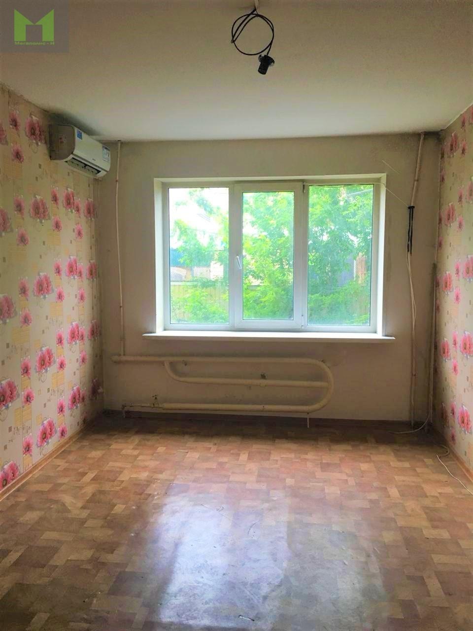Фото: Продам квартиру в центре Уссурийска, расположена на 1 этаже кирпичного дома, в подъезде расположен Опорный пункт полиции