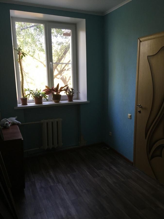 Продам 2-комнатную квартиру в городе Саратов, на улице Танкистов, 76, 3-этаж 5-этажного Кирпич дома, площадь: 47/30/6 м2