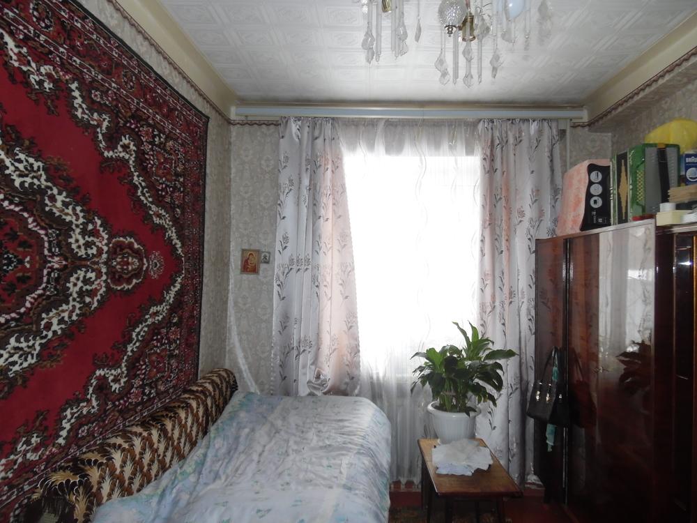Продаётся 2-комн.               квартира, 5 cот.,  Волжский,               , Горького ул, д. 74