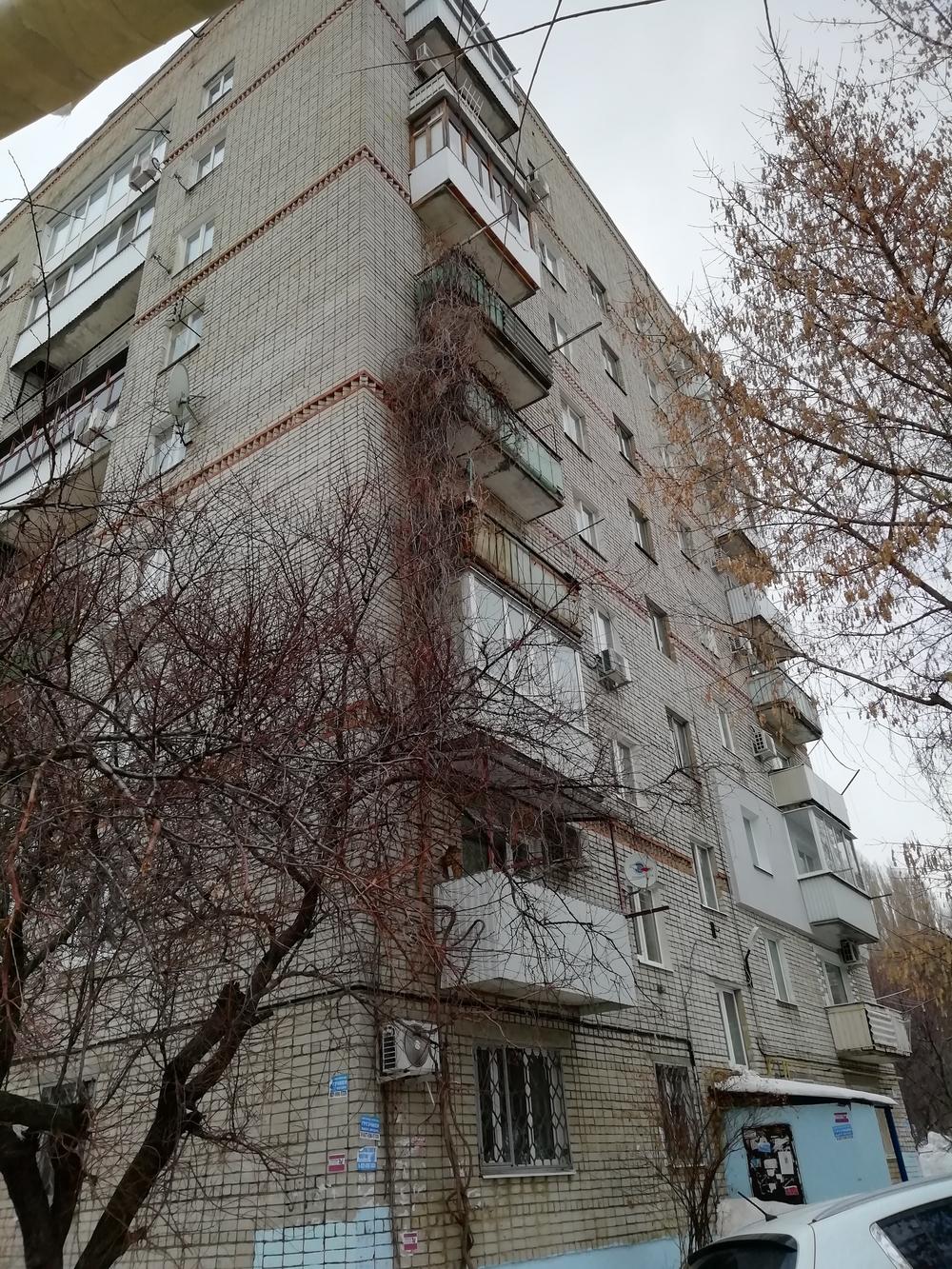 Продам 2-комнатную квартиру в городе Саратов, на улице 2-й Магнитный, 6, 5-этаж 9-этажного Кирпич дома, площадь: 44/27/6 м2