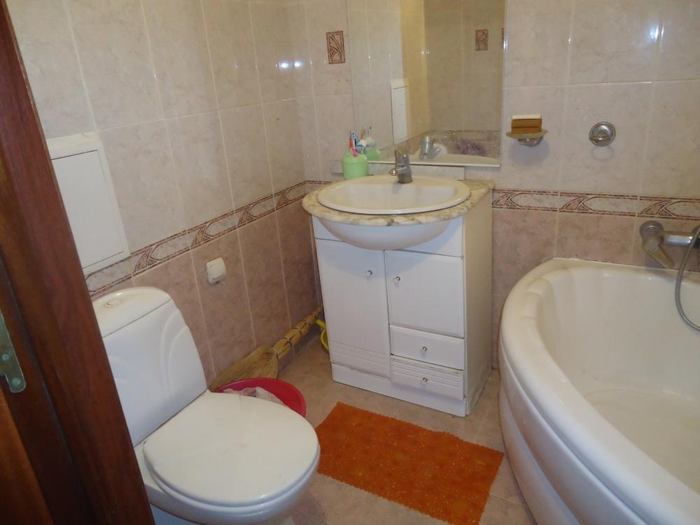 Продам 3-комнатную квартиру в городе Саратов, на улице Большая Казачья, 59/63, 5-этаж 9-этажного Кирпич дома, площадь: 62/42/9 м2