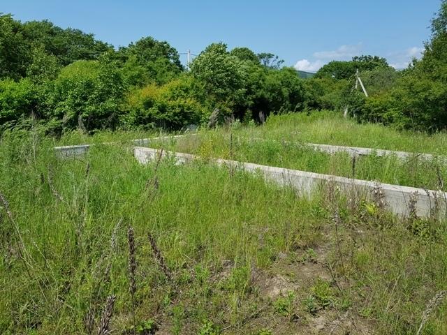 Земельный участок с фундаментом