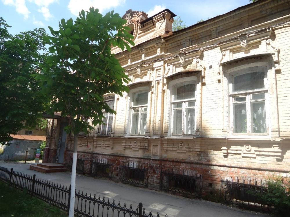 Саратов, ул.Дзержинского, 1-этаж 2-этажного здания