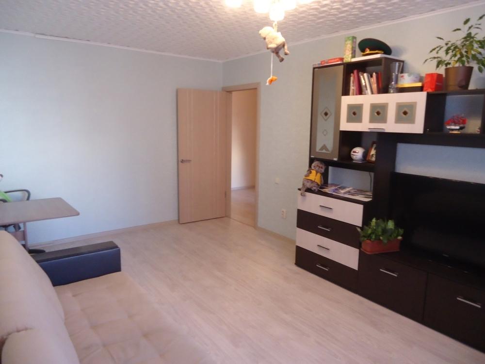 Продам 3-комнатную квартиру в городе Саратов, на улице 1-й Топольчанский, 5, 6-этаж 10-этажного Кирпич дома, площадь: 75/0/0 м2