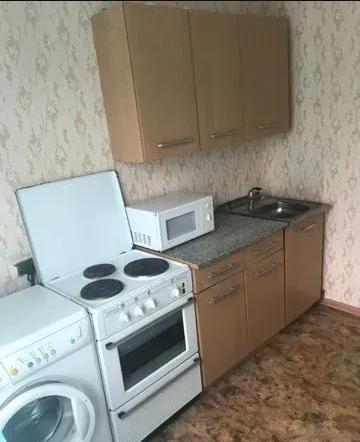 Челябинская область, Челябинск, ул. Братьев Кашириных, 102