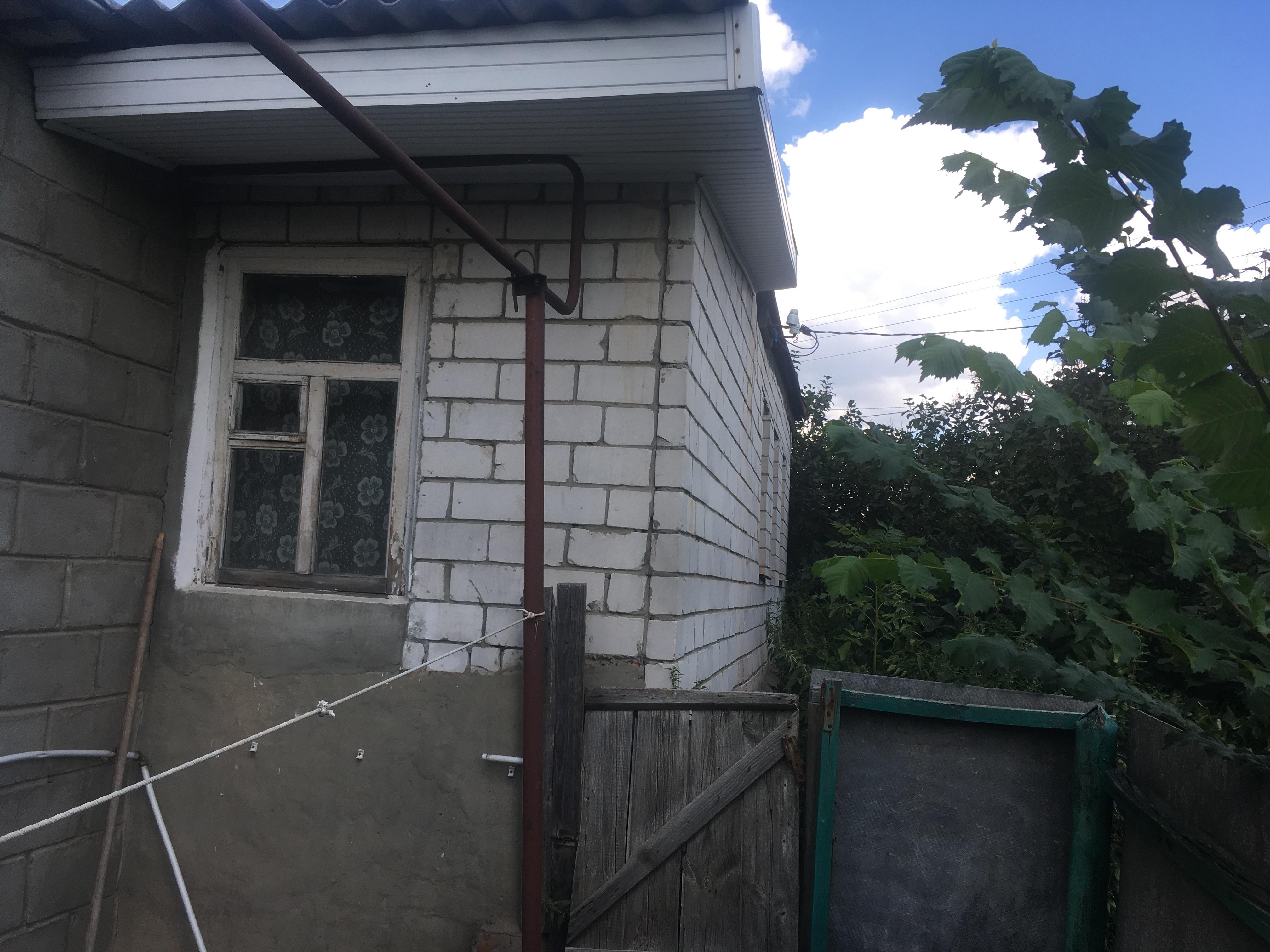 Верхняя Медведица, ул. Советская, 112, дом кирпичный с участком 25 сот. на продажу