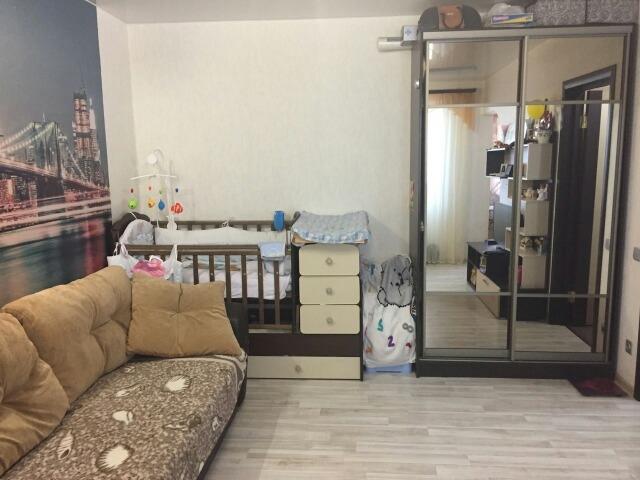 Продам 1-комнатную квартиру в городе Саратов, на улице Батавина, 13, 10-этаж 11-этажного Кирпич дома, площадь: 37/17/10 м2