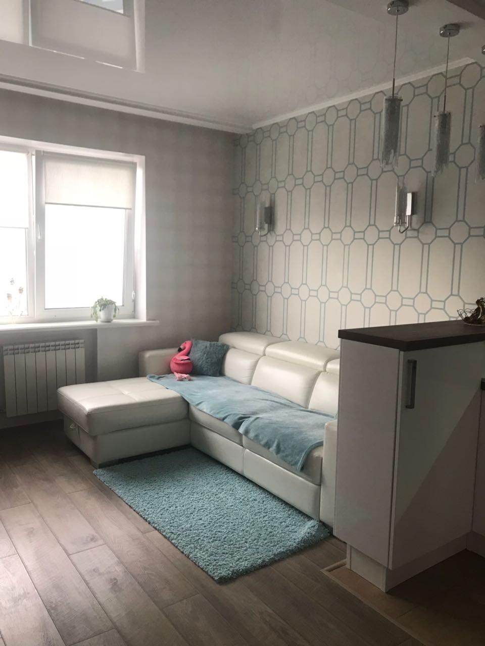 Продам 2-комнатную квартиру в городе Саратов, на улице Вольская, 2, 17-этаж 25-этажного Кирпич дома, площадь: 99/55/28 м2