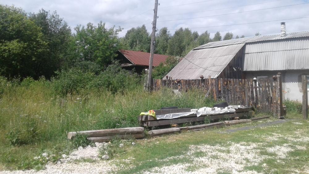 Абрамово, Овражная ул., д. 1, дом кирпичный с участком 20 сот. на продажу