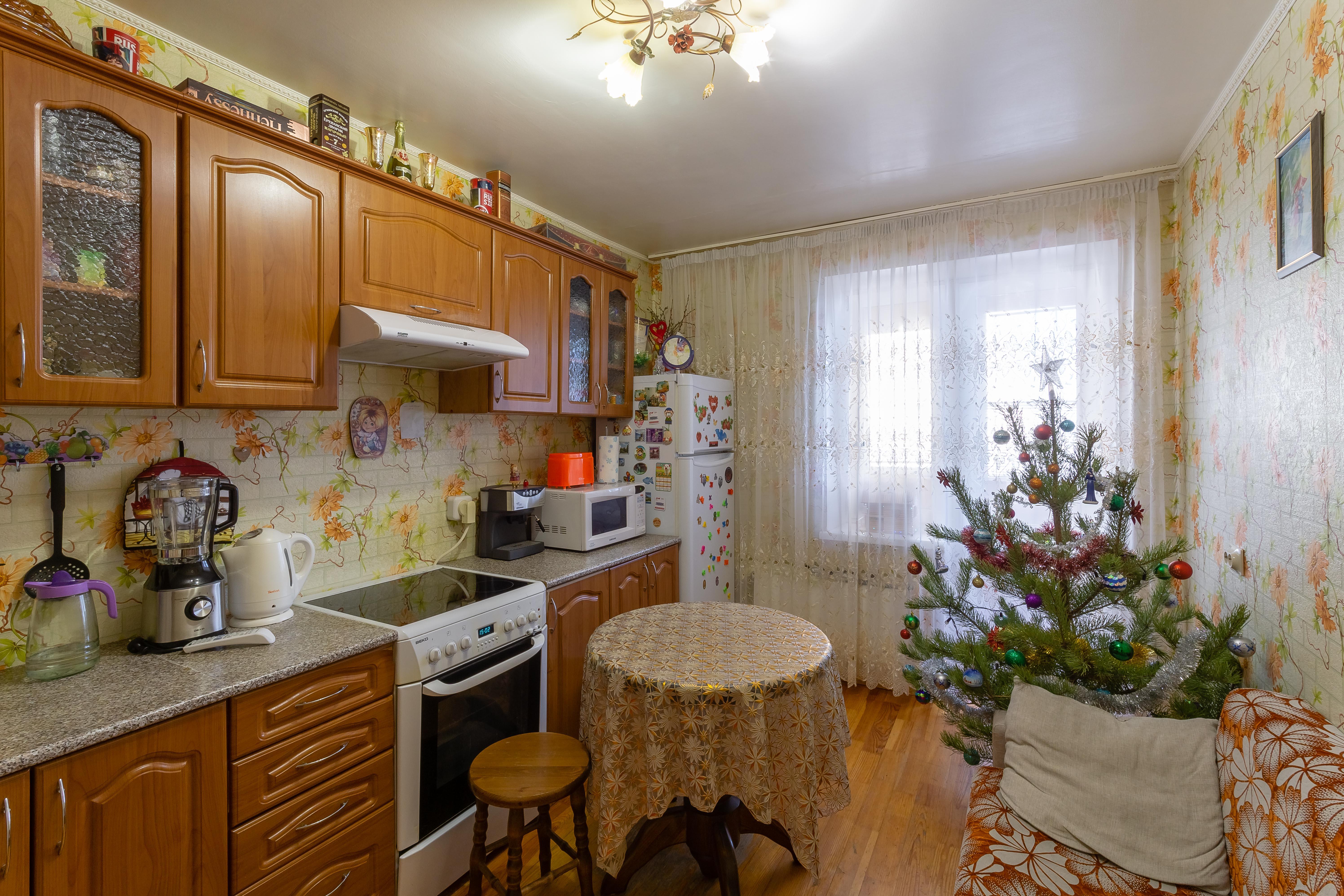 Свердловская область, Екатеринбург, ул. Красных Командиров, 25