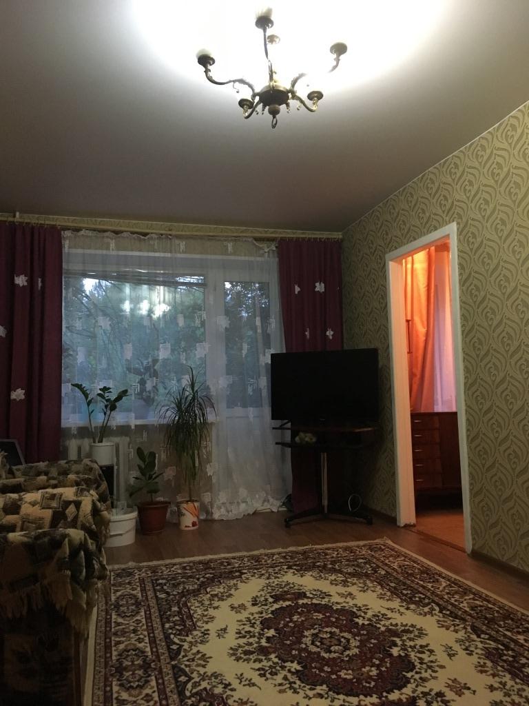 Продам 3-комнатную квартиру в городе Саратов, на улице Шелковичная, 12, 4-этаж 5-этажного Кирпич дома, площадь: 42/32/6 м2