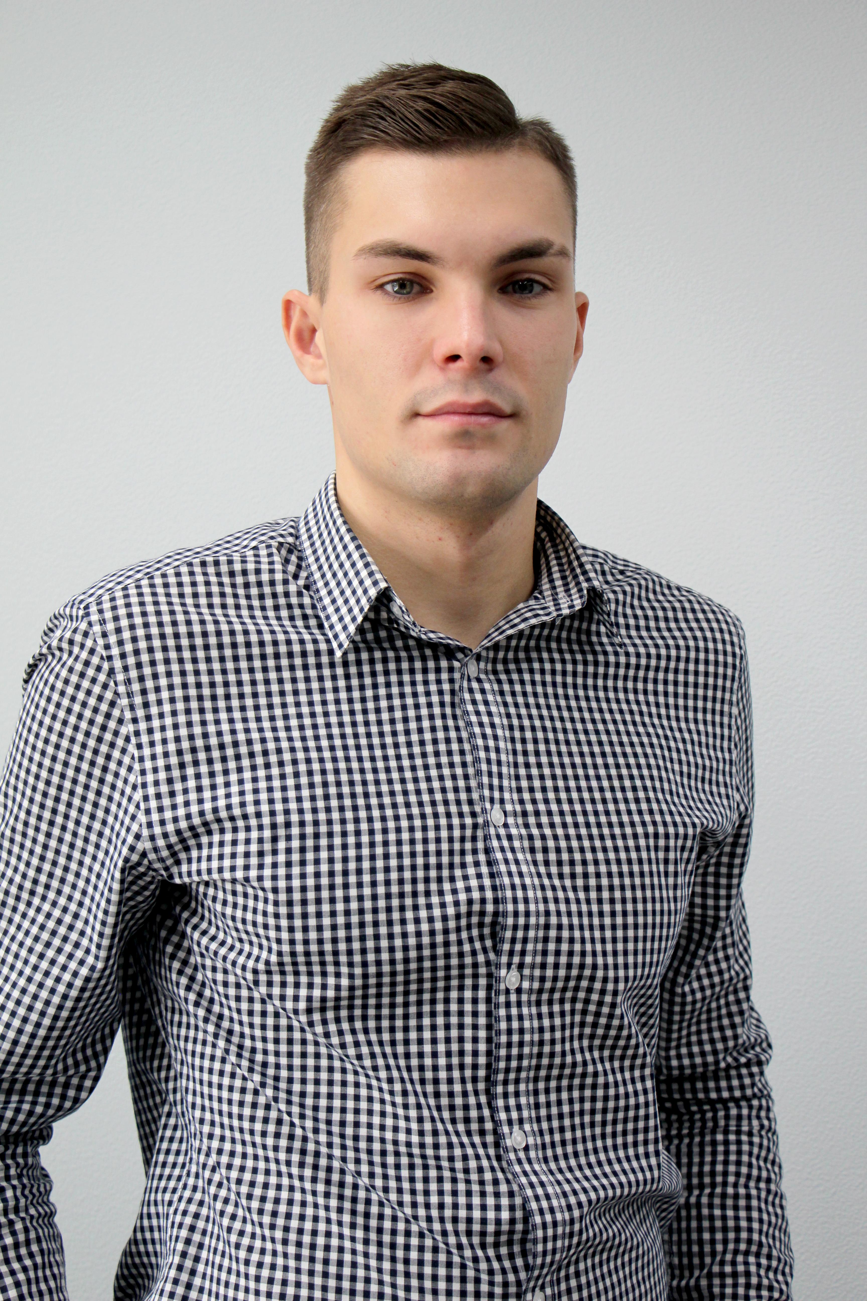 Илья Гомжин